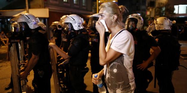 Türkische Sicherheitskräfte schlugen Proteste gegen die Regierung nieder