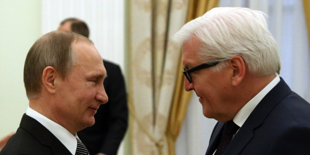 Auf Augenhöhe begegnen: Steinmeier im Gespräch mit Putin.