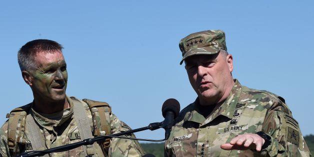 Der Befehlshaber der US-Landstreitkräfte in Europa, General Ben Hodges, erklärt die Strategien Russlands