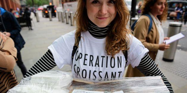 Junge Franzosen versuchten, Londoner von einem Verbleib in der EU zu überzeugen - mit Liebesbriefen und Croissants