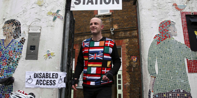 A man wearing a European themed cycling jersey leaves after voting at a polling station for the Referendum on the European Union in north London, Britain, June 23, 2016.    REUTERS/Neil Hall     TPX IMAGES OF THE DAY