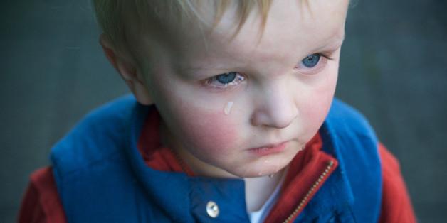Warum alle Eltern gewalttätig sind und versuchen es zu vertuschen