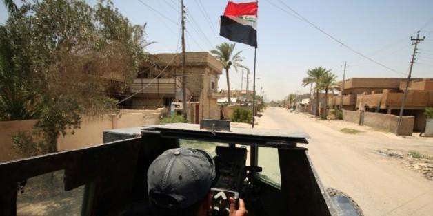 Le drapeau irakien sur un véhicule des forces du contre-terrorisme, le 23 juin 2016 à Fallouja