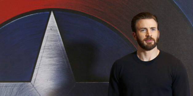 "Chris Evans (""Captain America"") zeigt sich mit Jenny Slate"