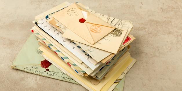 Sohn liest über 77 Jahre die Briefe seines verstorbenen Vaters