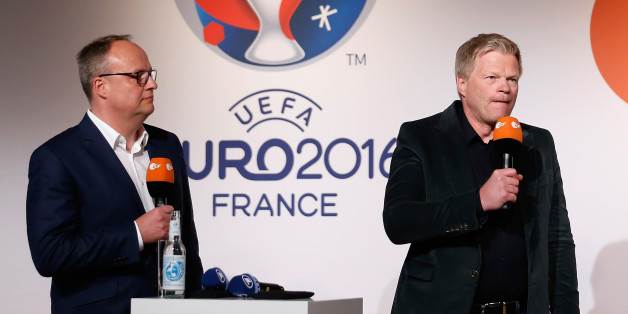 BERLIN, BERLIN - APRIL 11:  ZDF moderator Oliver Welke and the ZDF football experts Oliver Kahn (C) and Holger Stanislavski attend the ZDF UEFA Euro 2016 press conference at Radialsystem on April 11, 2016 in Berlin, Germany.  (Photo by Boris Streubel/Bongarts/Getty Images)