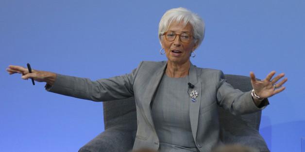Wissenschaftlerin erklärt: Diese Posen (wie die von Christine Lagarde) gverleihen euch Macht