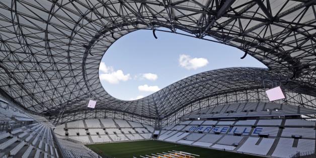 Football Soccer - UEFA Euro 2016 soccer tournament - Velodrome stadium, Marseille, France - 8/10/2016. General view of the Velodrome stadium in Marseille.  REUTERS/Jean-Paul Pelissier