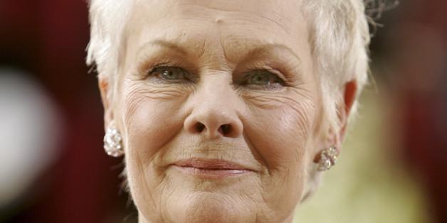 Judi Dench hat mit 81 Jahren ihr erstes Tattoo.
