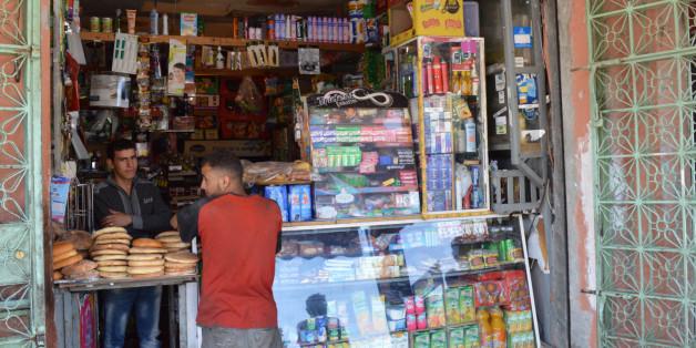 """Comment les petits commerces de proximité vivent le passage à l'ère """"zéro mika""""?"""