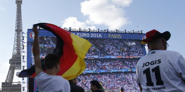 Am Samstag trifft Deutschland auf Italien - doch was sagen die Promis, wie es ausgehen wird?