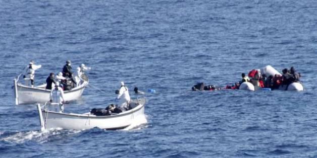 Près de 2.900 migrants morts en Méditerranée cette année, un record