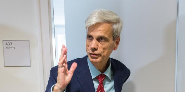 AfD-Mann Wolfgang Gedeon sieht sich Antisemitismus-Vorwürfen ausgesetzt.