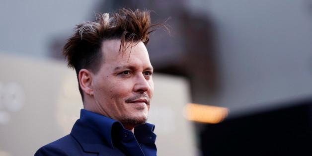 Johnny Depp hat sein Liebes-Tattoo überstechen lassen - mit einem Schimpfwort