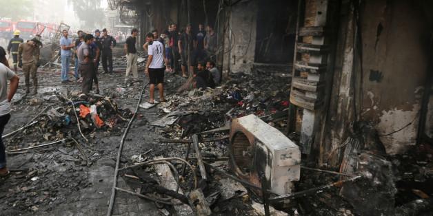 Zerstörter Straßenzug in Bagdad nach dem jüngsten Terroranschlag