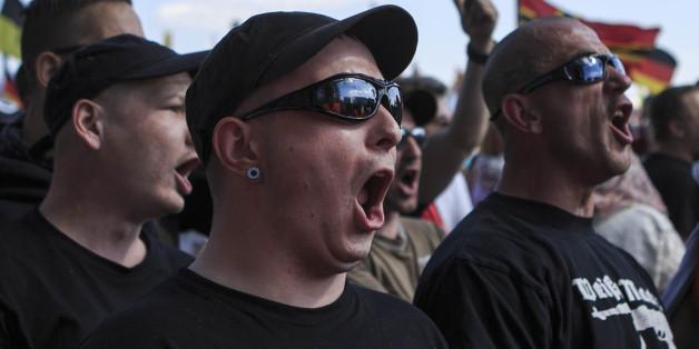 Die Zahl radikaler Extremisten in Deutschland steigt.