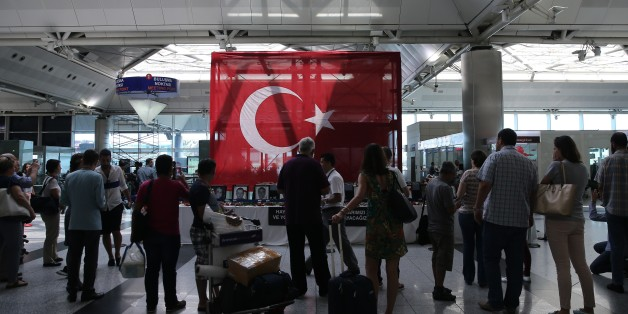 Istanbul's Travelers Defy Terror Days After Ataturk Airport Attack