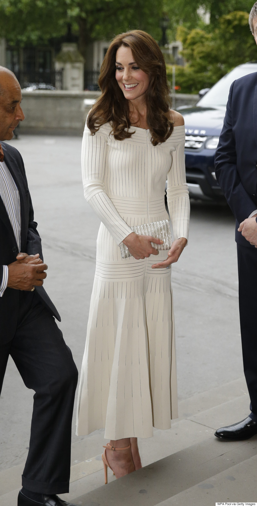 foto Kate Middleton Is Out And About In A 99 Jaeger Sale Dress
