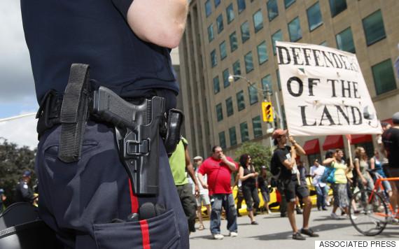 police indigenous canada