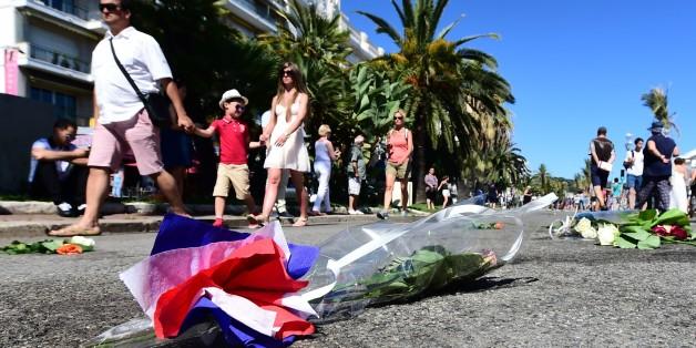 Attentat de Nice: Familles en vacances, touristes étrangers, policier et enfants parmi la liste des victimes