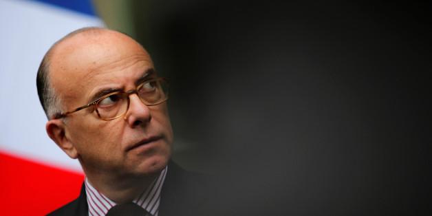 """Frankreichs Innenminister will """"patriotische Franzosen"""" für Reserveeinheit"""