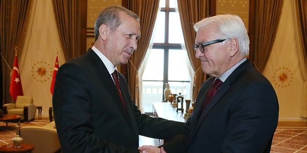 ANKARA, TURKEY - SEPTEMBER 18: President of Turkey Recep Tayyip Erdogan (L) receives Foreign Minister of Germany Frank-Walter Steinmeier at Presidential Complex in Ankara, Turkey on September 18, 2015. (Photo by Murat Cetinmuhurdar / Turkish Presidency Press Room/Anadolu Agency/Getty Images)