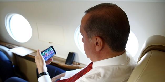 #SegenGottes: Erdogans doppelte Twitter-Strategie
