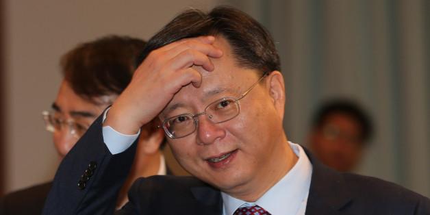 우병우 민정수석이 1월 19일 청와대에서 열린 영상국무회의에 참석하고 있다.