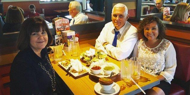 Dieses Foto von US-Politiker Mike Pence sorgt im Netz für Verwirrung - wegen eines bestimmten Details
