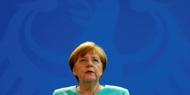 Die AfD macht Angela Merkel für den Anschlag in Würzburg verantwortlich