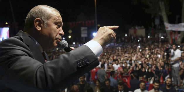 Nach Putsch-Versuch: Türkei verbietet Akademikern die Ausreise