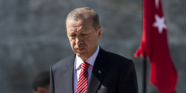 Turkish President  Recep Tayyip Erdogan during a wreath-laying ceremony at the Altar de la Patria (Altar of the Motherland) in Mexico City on February 12, 2015 in the framework of his two-day visit to Mexico.      AFP PHOTO/OMAR TORRES        (Photo credit should read OMAR TORRES/AFP/Getty Images)