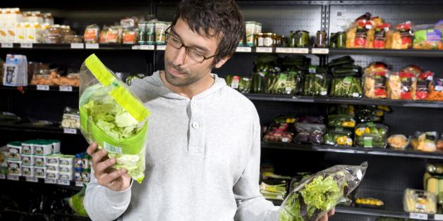 Warum ihr niemals abgepackte Salate einfach so essen solltet