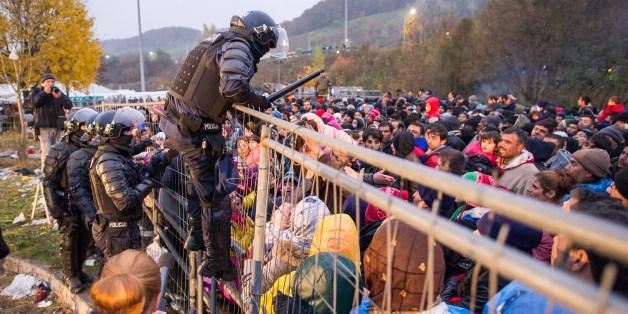 Das österreichische Innenministerium will im Burgenland einen Grenzzaun errichten - wie im steirischen Spielfeld Ende 2015