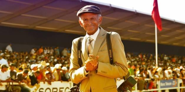 Mohammed L'Marrakchi, 72 ans, photographe de la Semaine du cheval depuis 32 ans