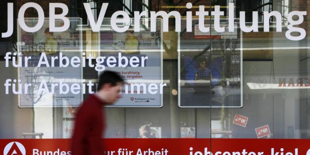 Hartz IV: So treiben die Jobcenter Arbeitslose in die Insolvenz