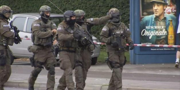 """Nach Schüssen: SEK evakuiert Redaktionsgebäude der """"Abendzeitung"""""""
