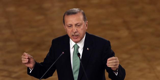Der türkische Staatspräsident hat die Schließung von rund 1000 Schulen gefordert
