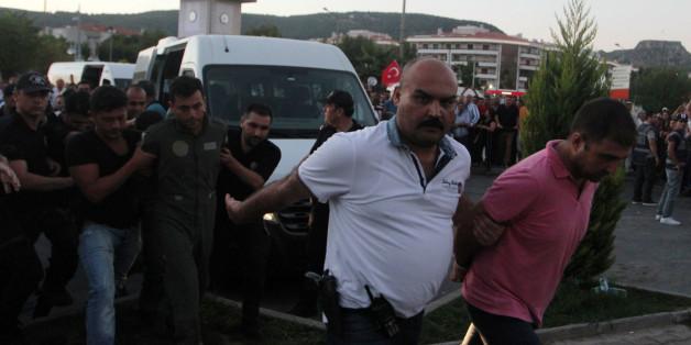 Putsch manqué en Turquie: plus de 5.600 personnes en détention provisoire