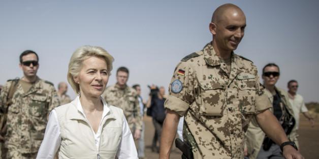 Von der Leyen will Flüchtlinge bei der Bundeswehr einsetzen