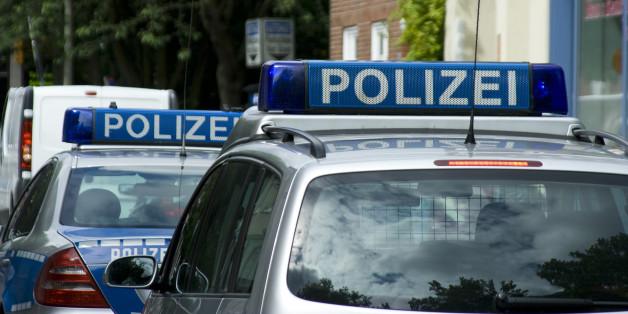 Mann schlägt in Reutlingen mit Machete um sich - offenbar ein Todesopfer