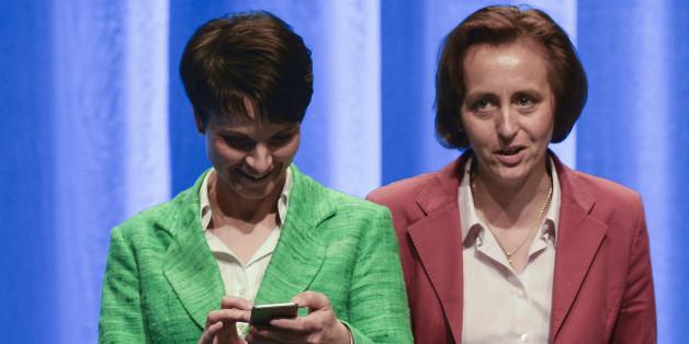 Frauke Petry und Beatrix von Storch hetzen nach den Attentaten in Deutschland im Netz