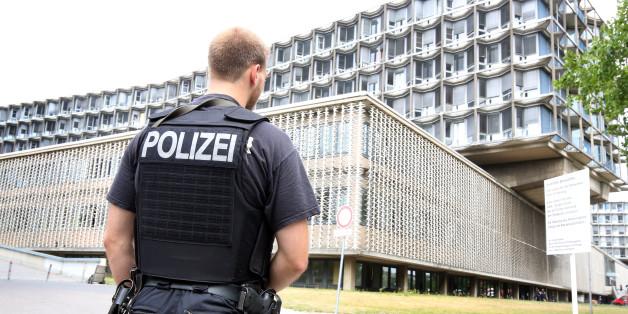 In einer Berliner Uniklinik wurde ein Arzt erschossen - die Polizei ist vor Ort