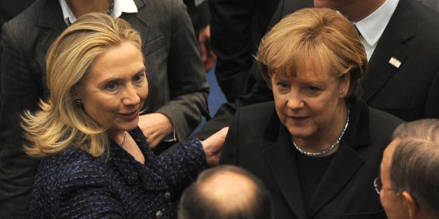 Angela Merkel trifft Hillary Clinton 2011 in Bonn