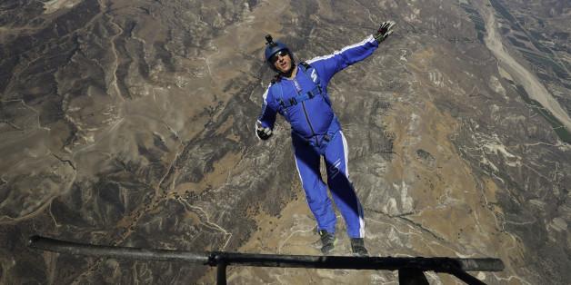 Red Bull n'a pas voulu sponsoriser le saut sans parachute de Luke Aikins, jugé trop dangereux