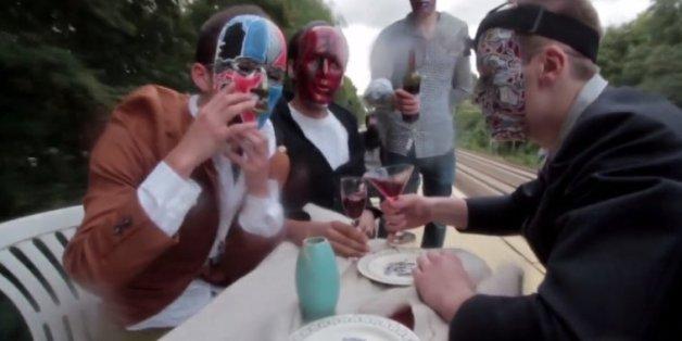 Dieses Video einer Berliner Sprayer-Gruppe lässt dem Betrachter den Atem stocken.