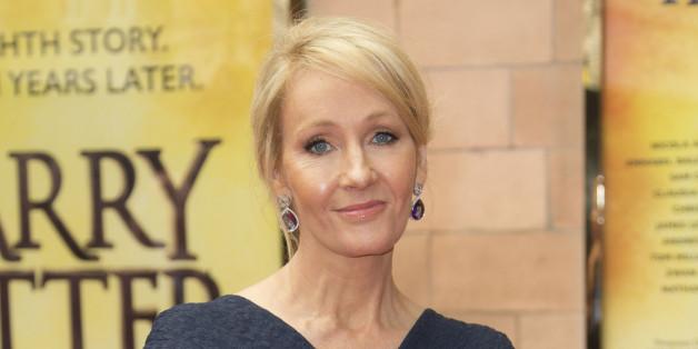 """JK Rowling remercie ses fans de ne pas """"spoiler"""" le nouveau Harry Potter"""