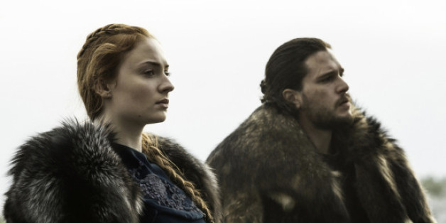 Sophie Turner als Sansa und Kit Harington als Jon Snow in Game of Thrones