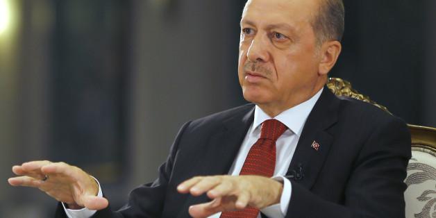 Die türkische Regierung unter Recep Tayyip Erdogan hat angedroht, den Flüchtlingsdeal mit der EU notfalls aufzukündigen