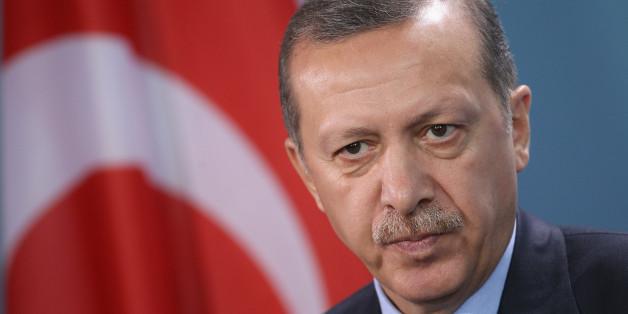 """Der türkische Staatspräsident Erdogan wirft der Rating-Agentur Standard & Poor's """"Türkenfeindlichkeit"""" vor"""